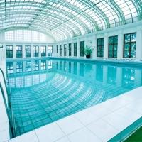 - крытый бассейн с морской водой